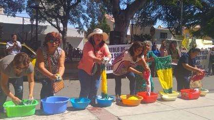 Realizan lavado de bandera en respaldo a exalcaldesa de Castilla