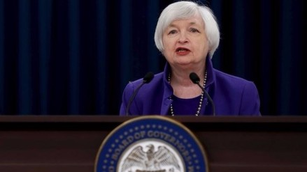 Fed mantendría tasas estables en medio de inquietud sobre Reino Unido