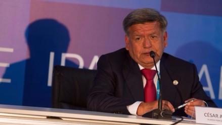 César Acuña es denunciado penalmente por plagio a libro de docente