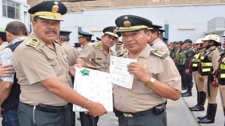 Premian a 60 policías por destacada labor en la lucha contra la delincuencia