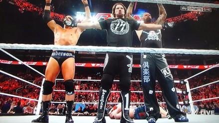 WWE: John Cena fue masacrado por AJ Styles y The Club