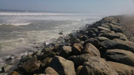 Trujillo: preocupación por fuerte oleaje en balneario Buenos Aires