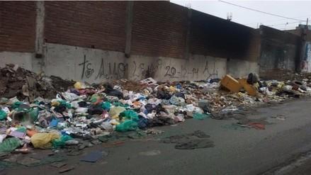 VMT: basura atenta contra salud de los vecinos y afecta el tránsito