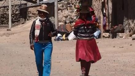 Distribuyen ayuda humanitaria a población afectada por heladas