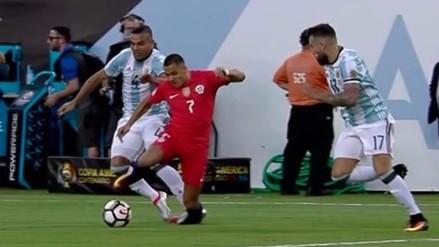 Argentina vs. Chile: Alexis Sánchez recibió pisotón de Gabriel Mercado