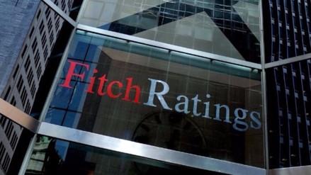 Fitch también baja calificación crediticia de Reino Unido tras
