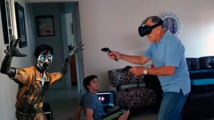 YouTube: abuelo se deja llevar por lucha contra zombies en realidad virtual