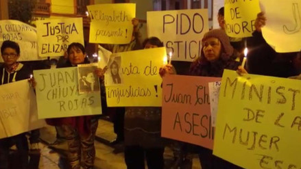 Familiares de joven asesinada realizan vigilia en Catedral de Huancayo