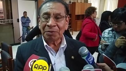 Justiniano Apaza: congresistas de FP han asumido conducta 'fujimontesinista'