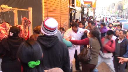 Huancayo: comerciantes en enfrentan por incremento del precio del pollo