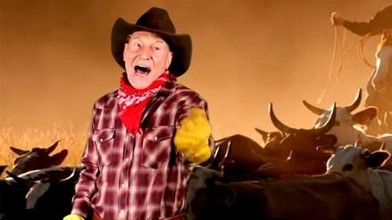 YouTube: Sir Patrick Stewart sorprende con canciones de vaqueros