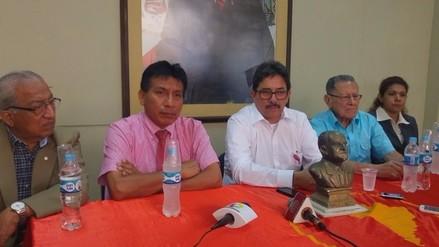 Exministro Enrique Cornejo a favor de moción contra ministro de Defensa