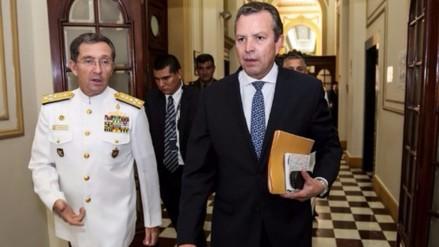 Presentan moción de censura contra ministro de Defensa