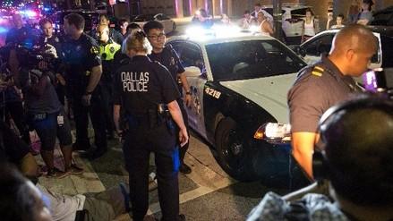 Cinco policías muertos en Dallas bajo fuego de francotiradores