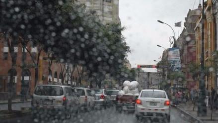 Pistas mojadas ocasionaron accidente de tránsito en San Luis