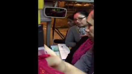 WhatsApp: Usuaria se niega a pagar pasaje de Bus Azul y retrasa servicio