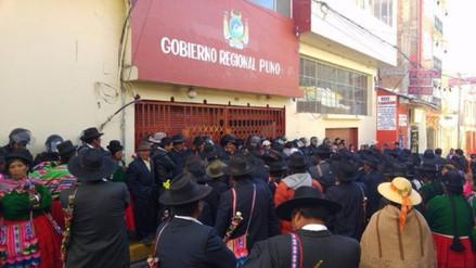 Gobernador convoca a congresistas y alcaldes para definir agenda de Puno