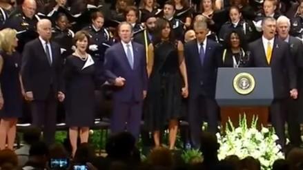 YouTube: George Bush baila y ríe durante funeral de policías asesinados en Dallas