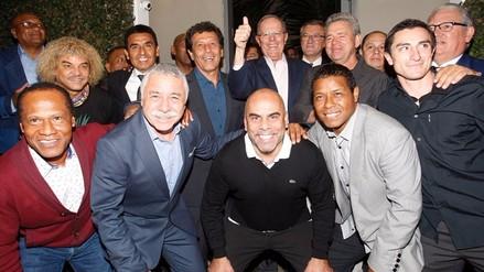 PPK se reunió con Cesar Cueto y otros exseleccionados del Perú