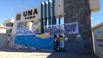 Estudiantes de ciencias sociales de la UNAP tomaron sus instalaciones