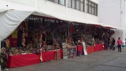 Apiat: comerciantes abren sus puertas tras incendio