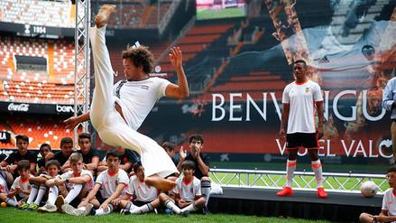 YouTube: Nani demostró talento en capoeira y preparó paella en Valencia