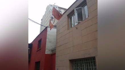 Miraflores: bandera luce deteriorada en vísperas de Fiestas Patrias
