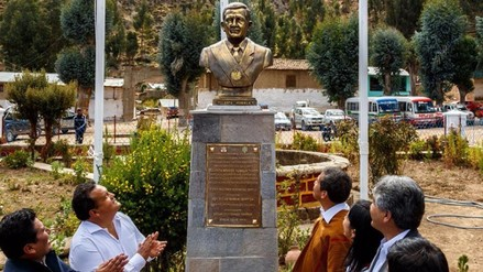 Alcalde de Oyolo responde a críticas por busto de Humala
