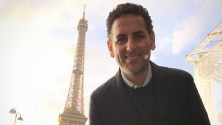 Juan Diego Flórez brinda show en la Torre Eiffel antes del incendio