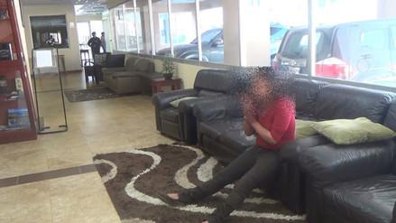 Mujer con alteraciones mentales irrumpe en hotel y causa destrozos