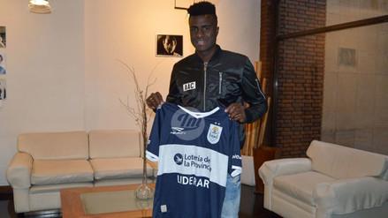 Christian Ramos firmó y posó con camiseta de Gimnasia y Esgrima La Plata