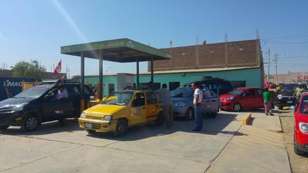 Escasez de GLP genera largas colas en grifos de Lambayeque