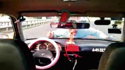 Twitter: taxista realiza imprudentes acrobacias y le cancelan la licencia