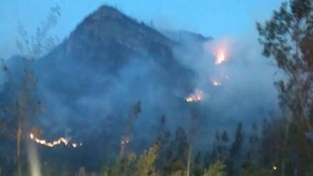 """Incendio forestal consume """"Perfil de Cristo"""" en Bambamarca"""