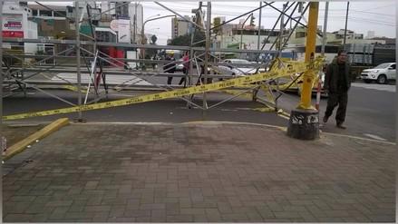 Pueblo Libre: Tribuna de Parada Militar bloquea paso peatonal en Av. Brasil