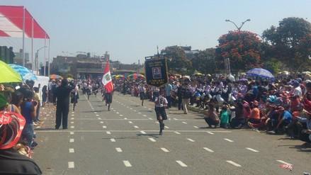 Fiestas Patrias: alumnos de Florencia de Mora participan en desfile