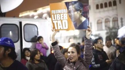 Simpatizantes de Alberto Fujimori realizan marcha pidiendo su libertad