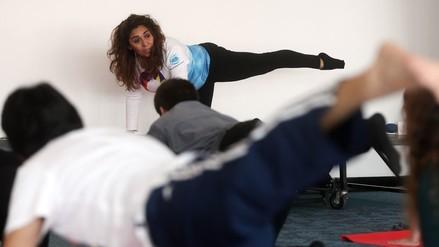 Aeropuerto de Santiago inaugura sala gratuita de yoga