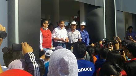 Ollanta Humala inspecciona obra de desembarcadero pesquero en San José
