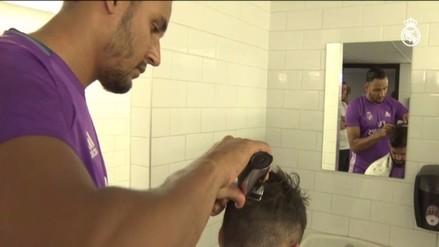 Real Madrid: Keylor Navas hizo de peluquero en concentración