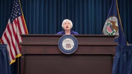 Fed de EE.UU. decidió mantener su tasa clave entre 0.25% y 0.50%