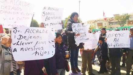 Huancayo: comerciantes de artesanías protestan en desfile