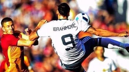 Zlatan Ibrahimovic anotó de tijera en su debut con Manchester United