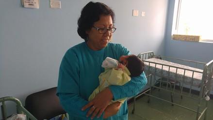 Chimbote: bebé abandonado en bus necesita ayuda