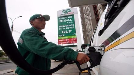 Repsol y Petroperú bajan precio de gasolina pero no de diésel ni GLP