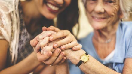 Conoce los derechos que asisten al adulto mayor
