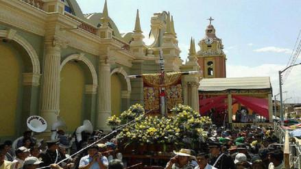 Miles de fieles participaron de misa en honor a la santísima Cruz de Motupe