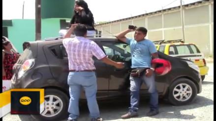 Se llevan camioneta de pareja de esposos por no pagar deuda de S/. 15 mil