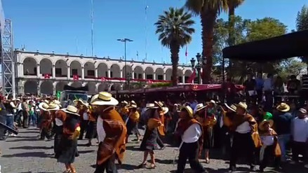 Se realiza Octavo Pasacalle Regional por el aniversario de Arequipa