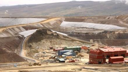 Gobierno explicará costos y beneficios de proyectos mineros, asegura ministro